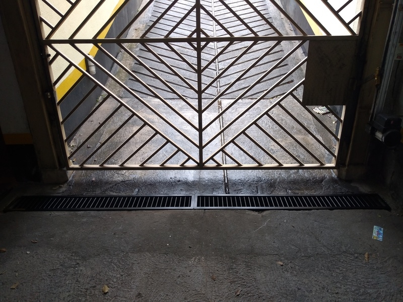 Portão Metálico Basculante Valor Jardim das Acácias - Portão Metálico com Tela
