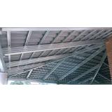 estrutura metálica para o telhado