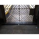 portão metálico basculante