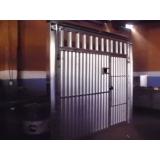 portão metálico de enrolar